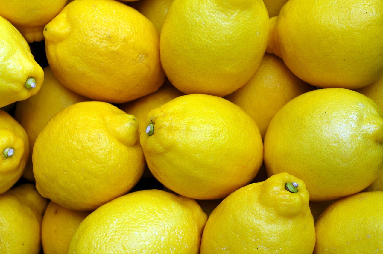 khasiat jeruk lemon